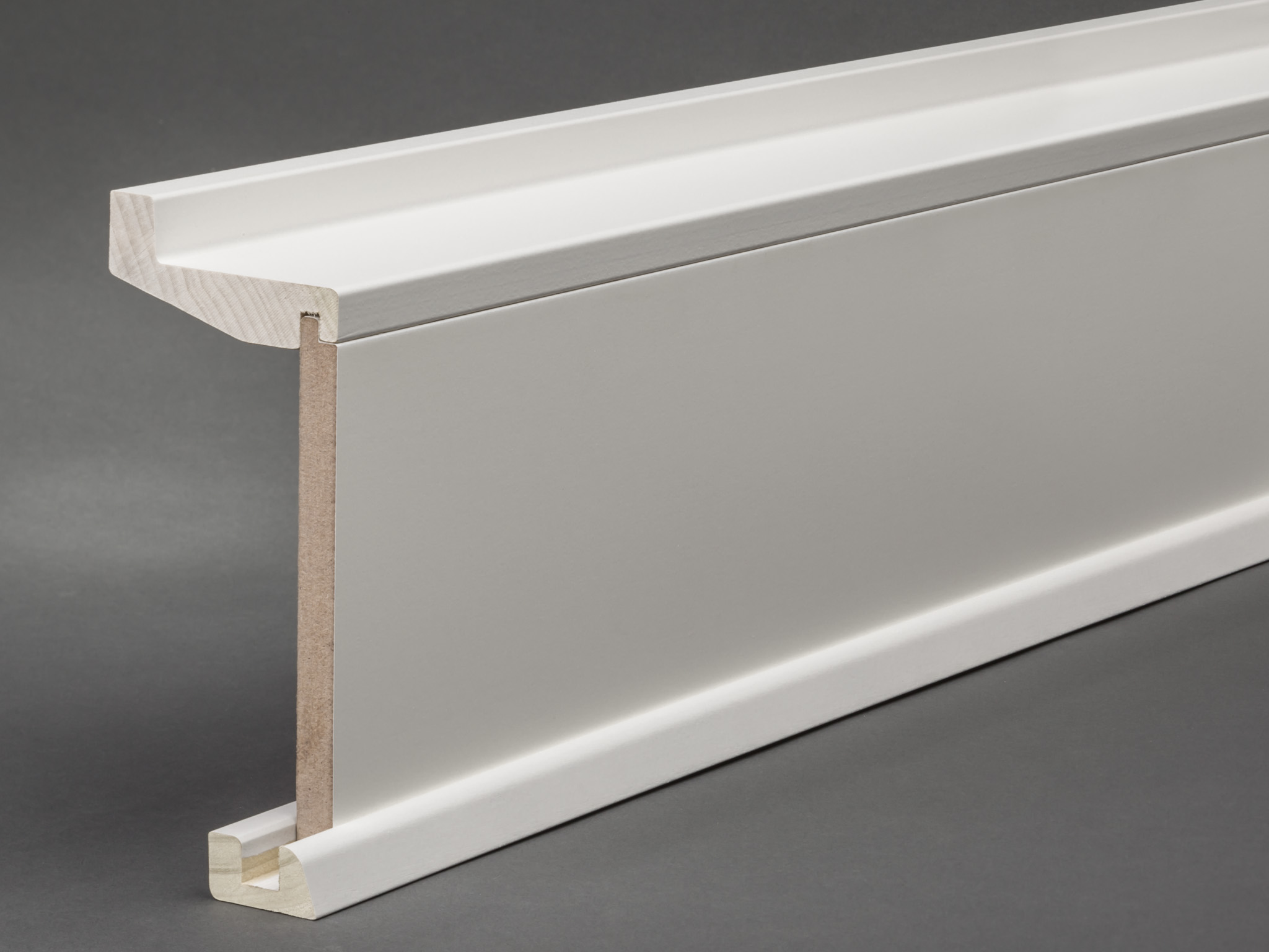 massivholz mdf wei lackiert 147x69 mm rohrabdeckleiste oberkante profiliert fu leisten welt. Black Bedroom Furniture Sets. Home Design Ideas